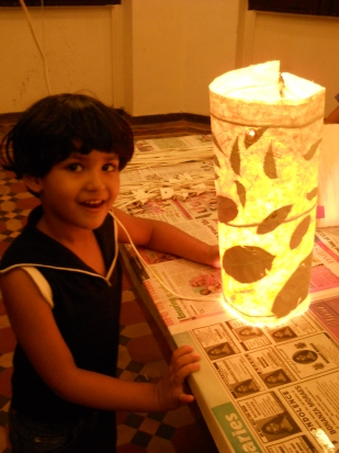 Paper Lamp workshop with 5 to 6 yr olds of Mango Tree art school