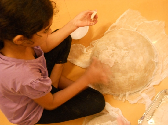 Paper Lamp workshop with 7 to 9 yr olds of Mango Tree art school