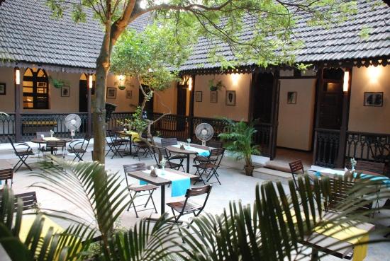 Sunaparanta's Cafe Al Fresco